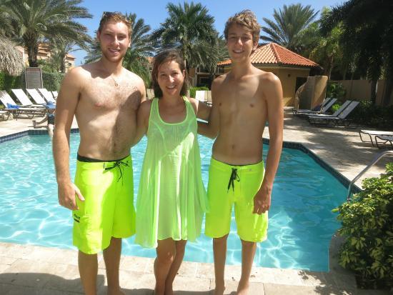 Gold Coast Aruba Luxury Condo: The pool