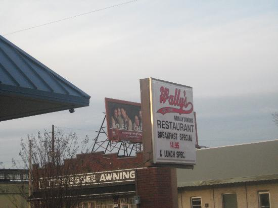 Wally's Restaurant: Signage