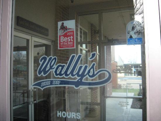 Wally's Restaurant: Wally's entrance
