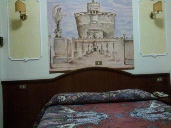 Hotel Cambridge: Un comodo letto