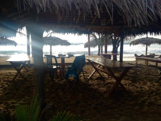 ... Hier kann man die Seele baumeln lassen. La casa del sombrero  the beach  bar area c4730dff11b
