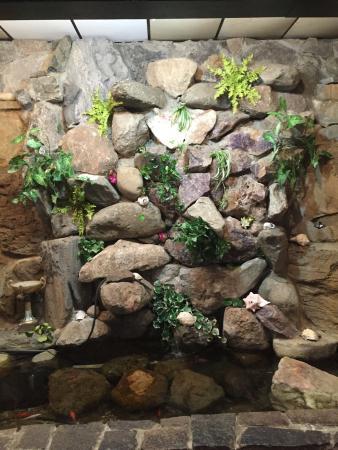 New Seoul Garden Restaurant: Stone wall