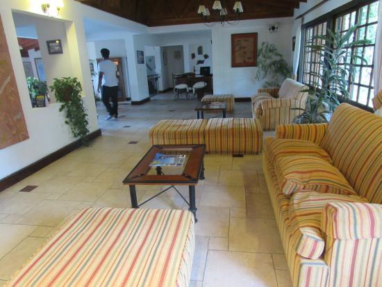 Hotel Sierra Nevada: Recepção