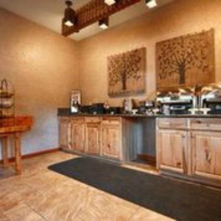 Tree House Restaurant: Breakfast Area