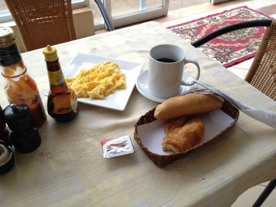 Avalon Hotel: breakfast