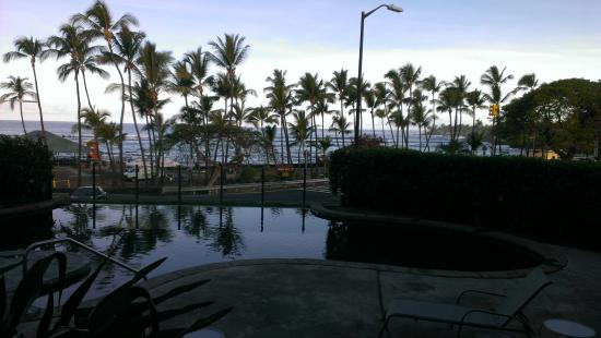 The Beach Villas at Kahalu'u: The view from our lanai.