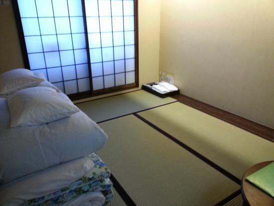 Matsubaya Inn: Standard twin room with bathroom