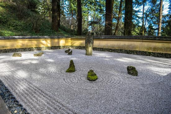 Waterfall picture of portland japanese garden portland for Japanese garden stones