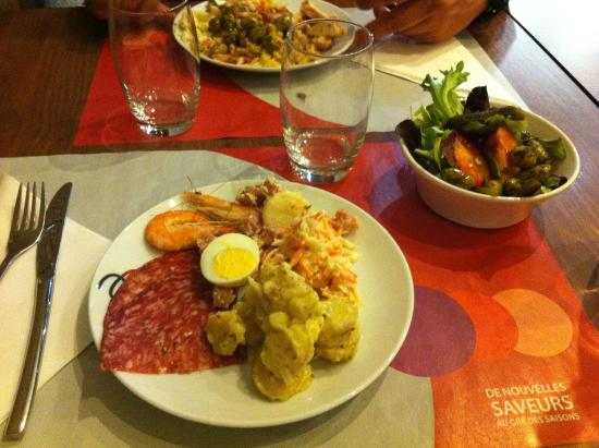 Campanile Nice - Aeroport: Salad Bar, delicioso