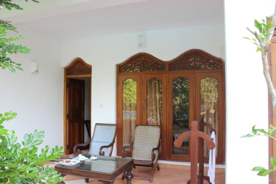 Panchi Villa: Sit out outside the room