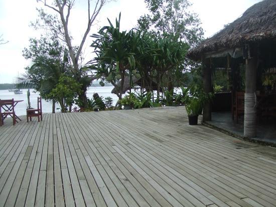 Oyster Island Resort Restaurant : Verandah deck