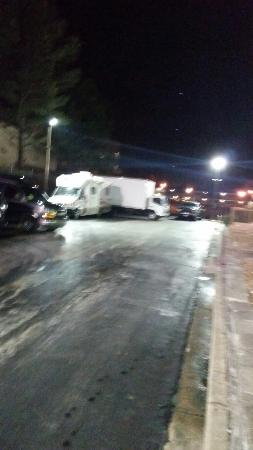 La Quinta Inn & Suites Memphis East-Sycamore View: Rv & service truck taking up several parking spaces after I was told this wasn't allowed.