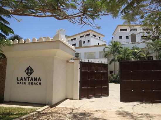Lantana Galu Beach: Entrance