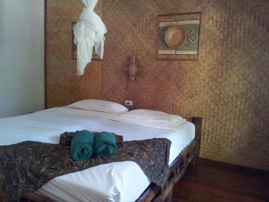Khao Lak Green Beach Resort: The room.