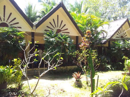 Khao Lak Green Beach Resort: The bungalow.