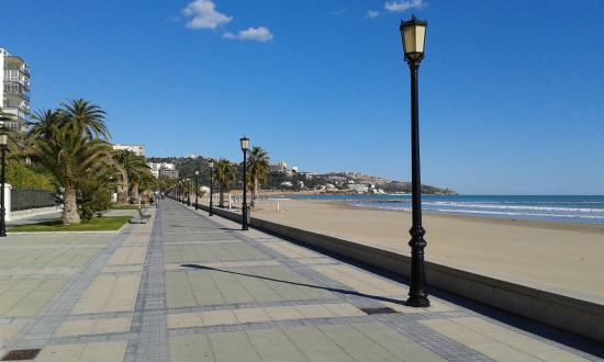Bonterra Park Camping and Bungalows: Sea front at Bennicassim