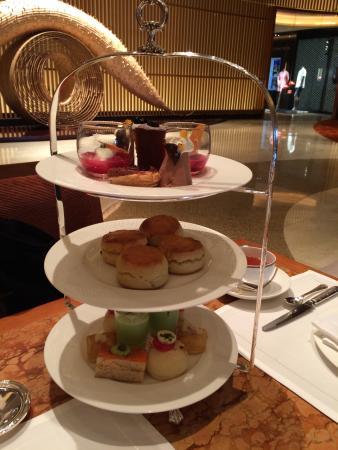 行ってみたかったペニンシュラホテルのアフタヌーンティーです。 優雅な時間を過ごせました。ら