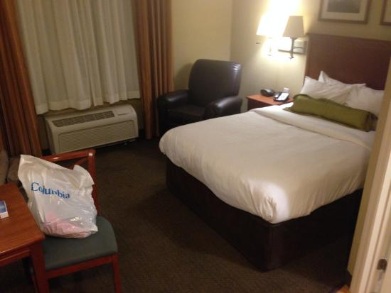 Candlewood Suites Tallahassee: bedroom