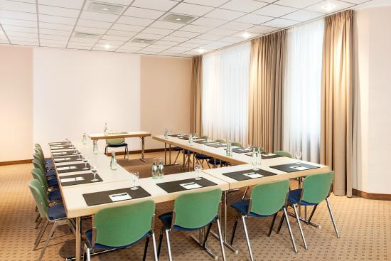 NH Dortmund: Meeting Room