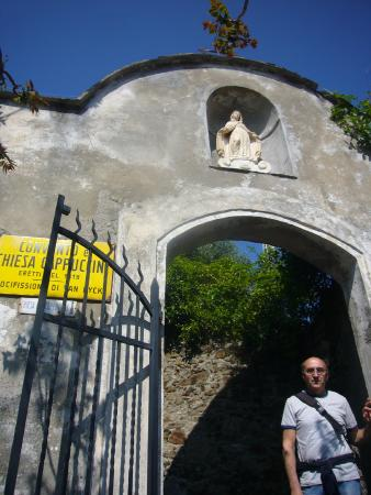 Church of San Francesco - Capuchin Friars Monastery : ingresso