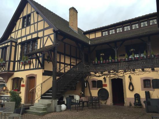 Le Cerf : Das Hotel-Gebäude