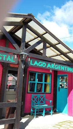Albergue y Hostal Lago Argentino: Вход в хостел
