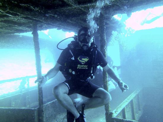 Super Divers: Wreck dive