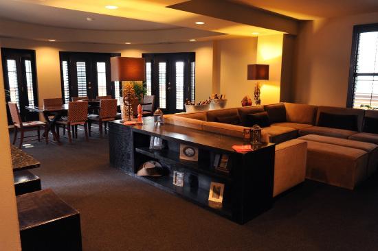 Hotel Valencia Riverwalk Presidential Suite