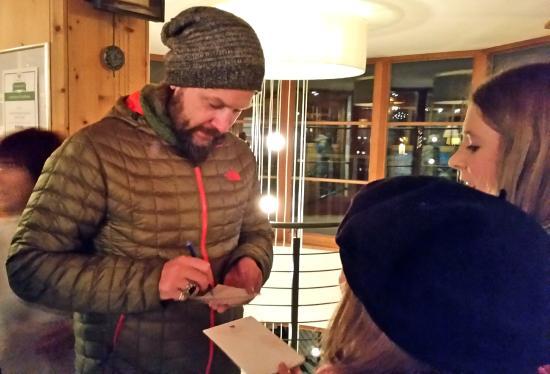 Post Alpina - Family Mountain Chalets: Ski Opening mit REA GARVEY