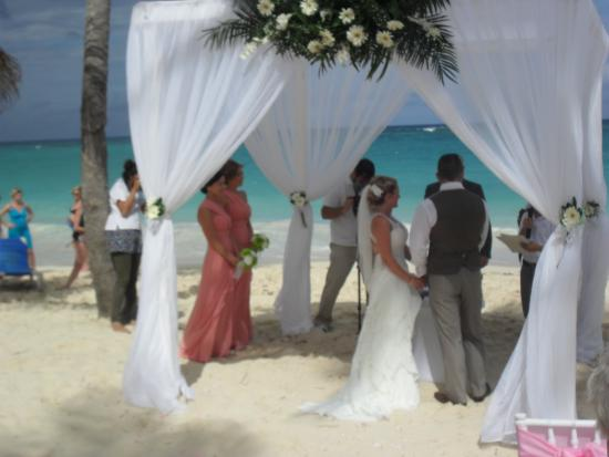 Hotel Riu Palace Bavaro Wedding On The Beach