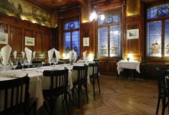 Restaurant Schiff: Historischer Speisesaal im Rest. Schiff.