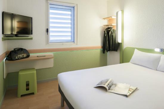 CHAMBRE DOUBLE - Picture of Ibis Budget Lyon Centre Confluence ...