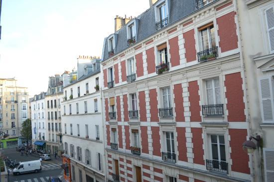 Hotel Nemours: Вид из окна