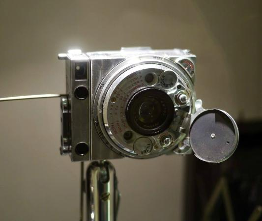 The Coronet 3D, a cheap 1953 stereoscopic camera made from