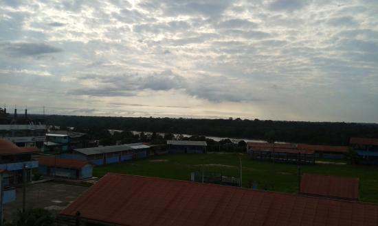 Hotel Puerto Amazonico: Vista del río desde el cuarto piso
