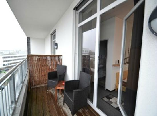 Arena Hostel Hamburg: Doppelzimmer mit Balkon