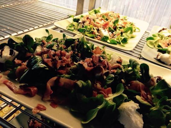 Insalata di soncino con caprino speck croccante e for Soncino insalata