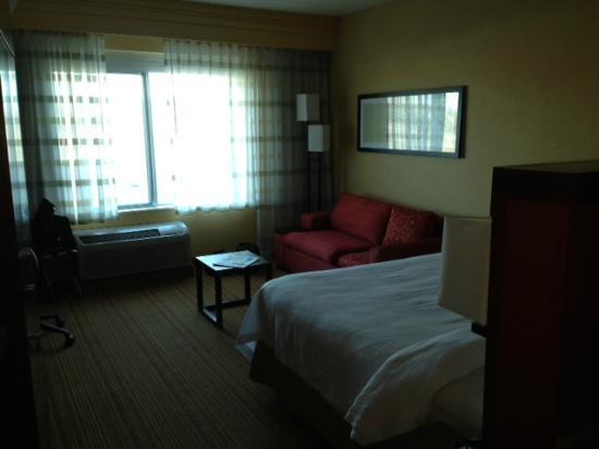 Courtyard by Marriott Omaha La Vista: king room