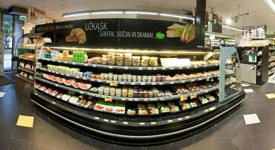Kaunas City Hotel: Grocery store