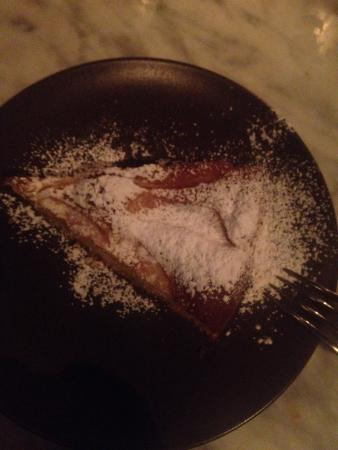 Maxela Modena: Torta morbida di mele servita calda