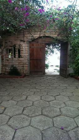 Imani Beach Villa: Entrance