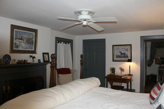 Inn At Monticello: Washington Bedroom