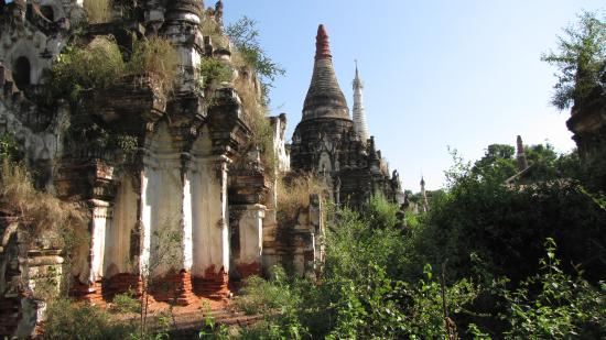 "Monywa, Birmania: Not ""restored "" area"