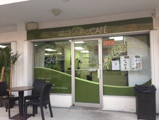 Island Naturals Cafe: View of the store front.