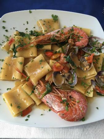 paccheri ai frutti di mare - paccheri with seafood - Picture of Il ...