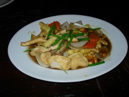 Takieng Restaurant : Chicken & cashew nuts