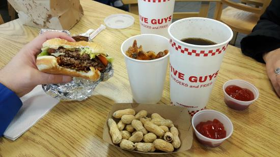 creve coeur guys Order online at five guys creve coeur, st louis pay ahead and skip the line.
