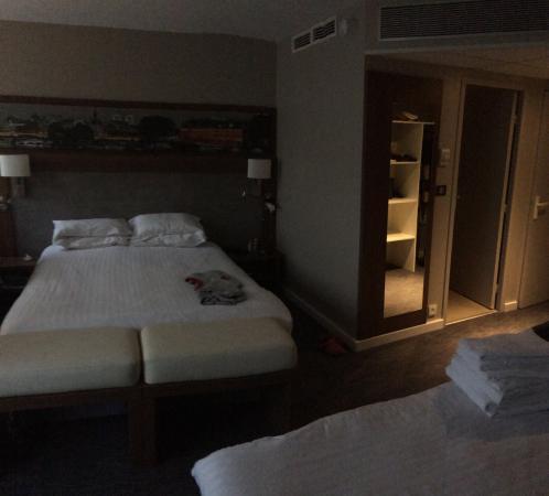 Holiday Inn Paris Montparnasse Pasteur: Camera 4 persone ottima