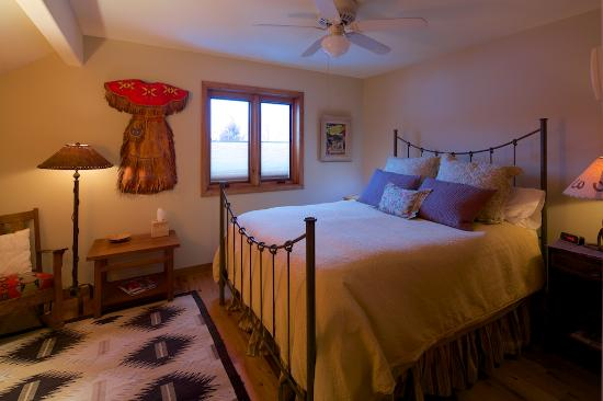 Euclid House Bed and Breakfast: Colorado Room in the Annex
