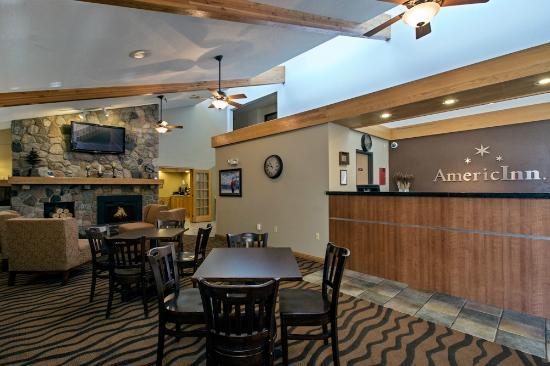 AmericInn Lodge & Suites Bemidji: Front desk/ Lobby area
